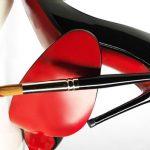 Louboutin conquista exclusividade sobre solas de sapato vermelhas